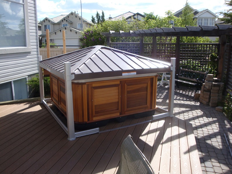 The Hot Tub covered by Cavana Cover