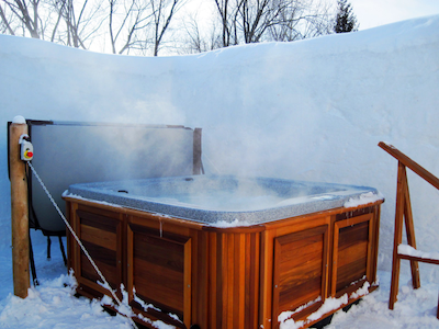 Cold weather is the natural habitat of an Arctic Spa. Made in Canada for extreme conditions for efficiency and longevity no matter where you live.